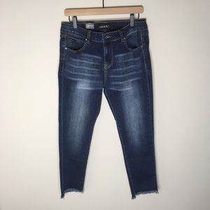 NWT Grace in LA LA Step Hem Jean Easy Fit